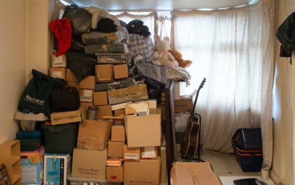 packing clothes for a house move